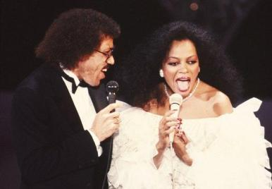 Diana Ross and Lionel Richie performance Endless Love