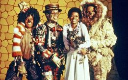 Diana Ross and the main cast of The Wiz