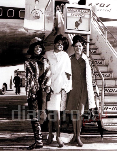 The Supremes at an airport