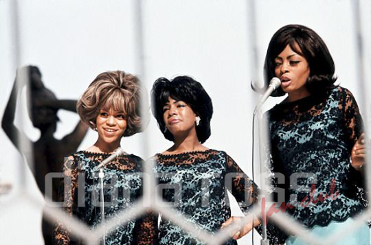 The Supremes live in Detroit 1965
