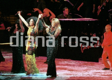 "Diana Ross, Lynda Laurence and Scherrie Payne during the ""Return To Love Tour"" in the year 2000."